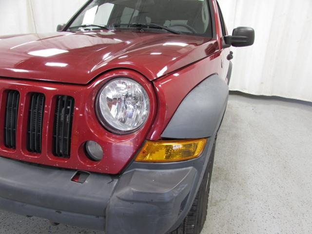 Pre-Owned 2007 Jeep Liberty Sport